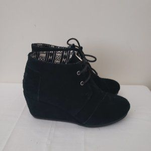 Toms Black Wedge Lace Up Booties Size 6